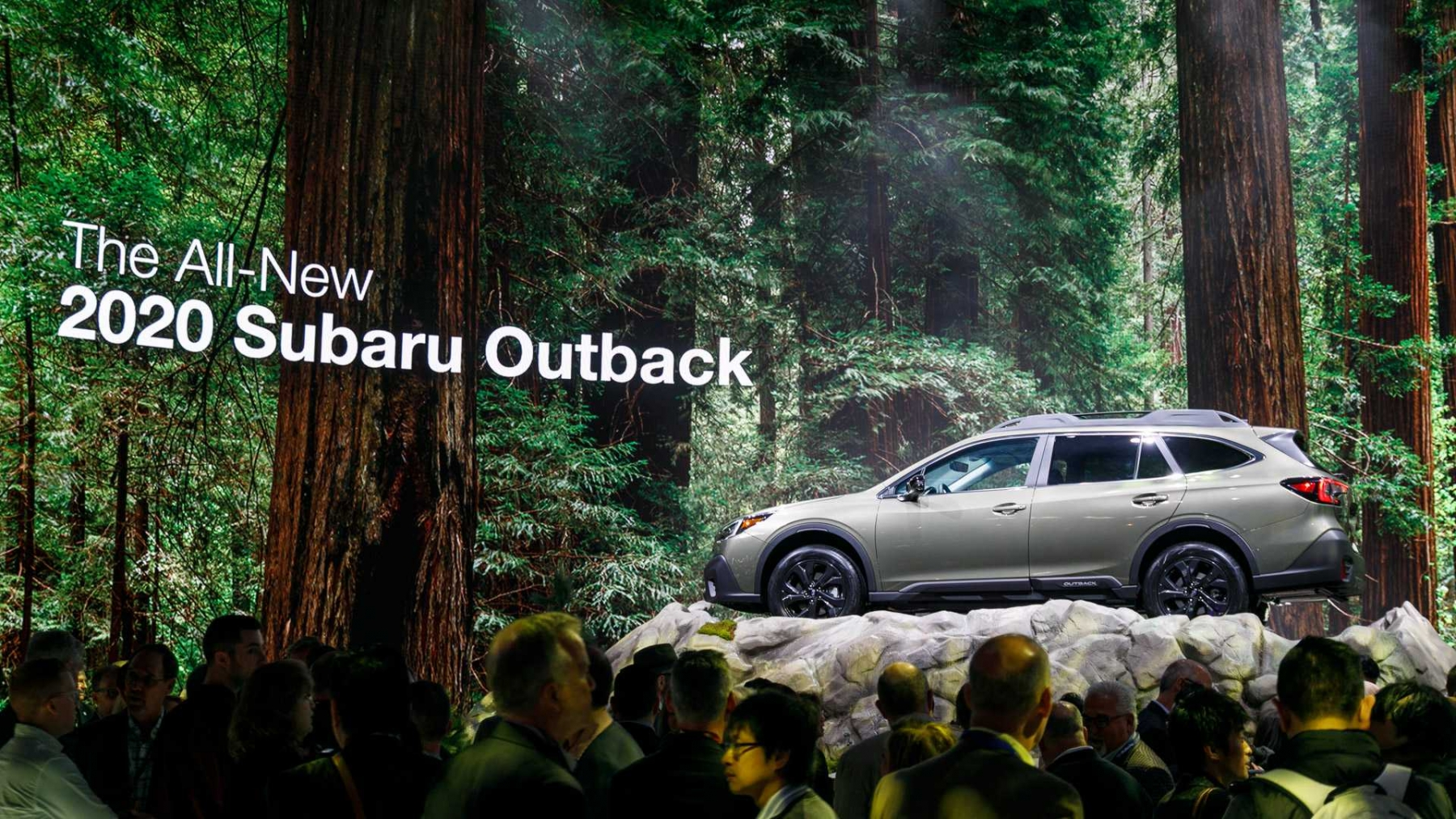 1_2020-subaru-outback-at-the-new-york-auto-show