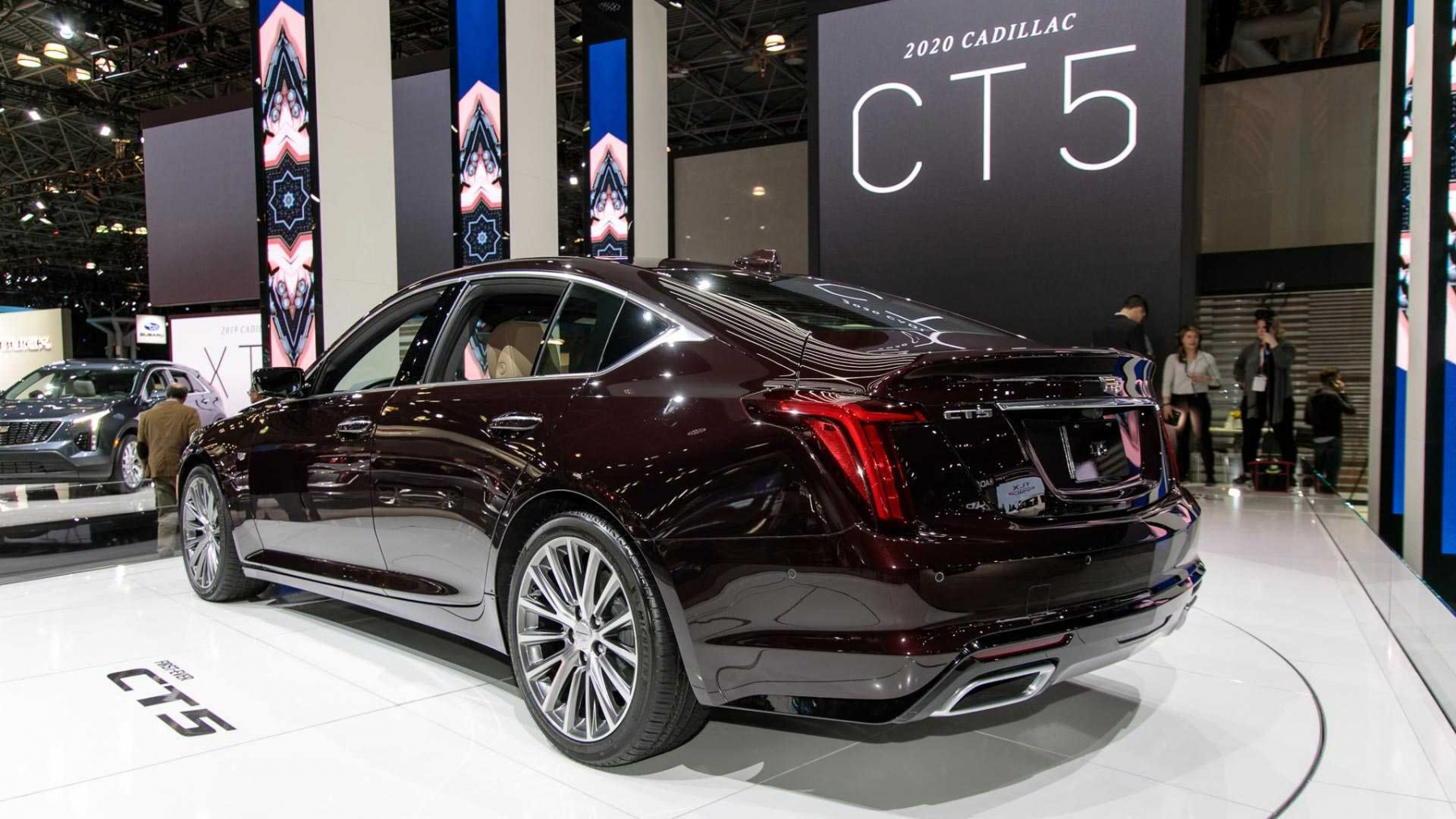 2_2020-cadillac-ct5-live-images