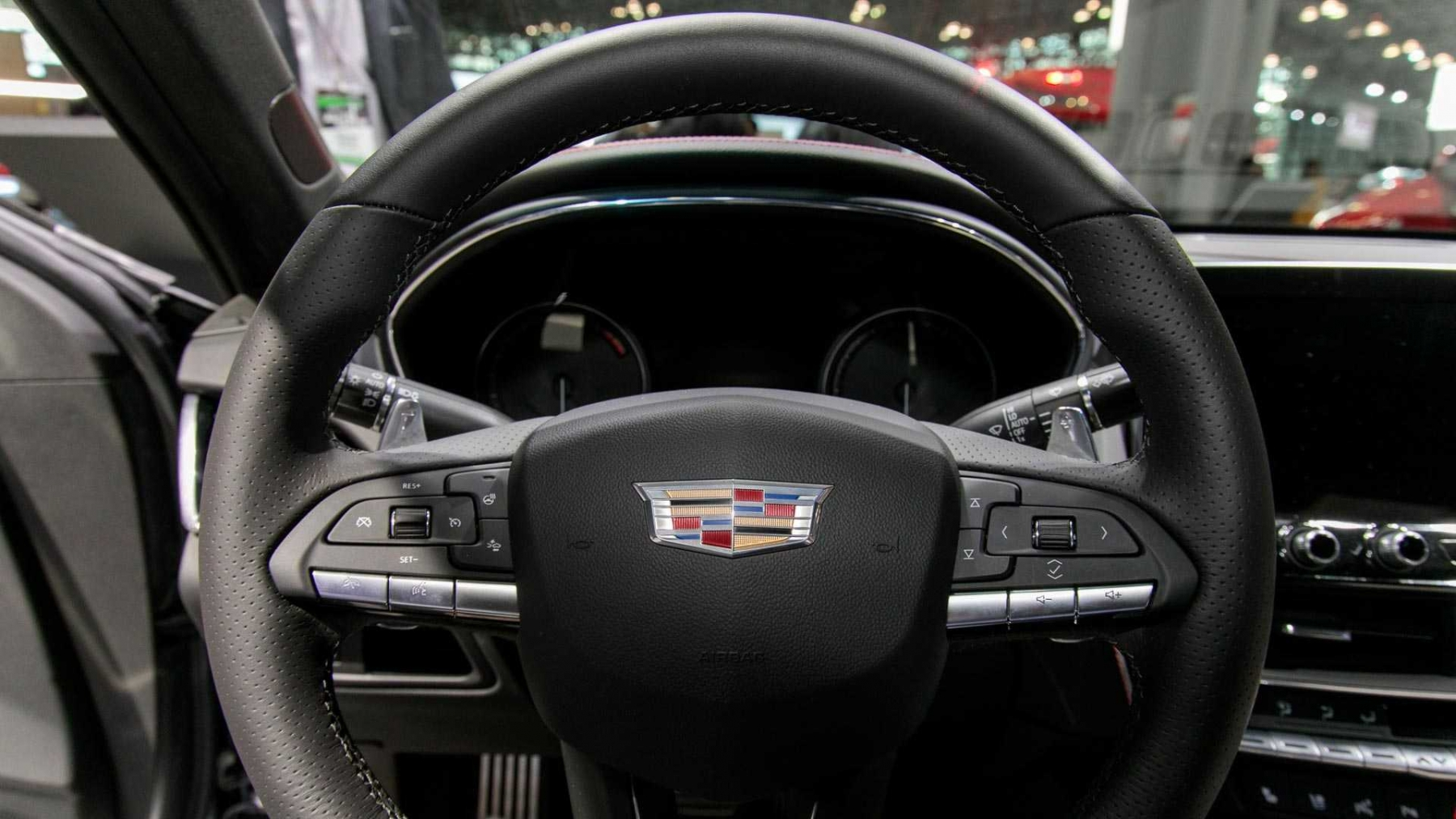 3_2020-cadillac-ct5-live-images-4