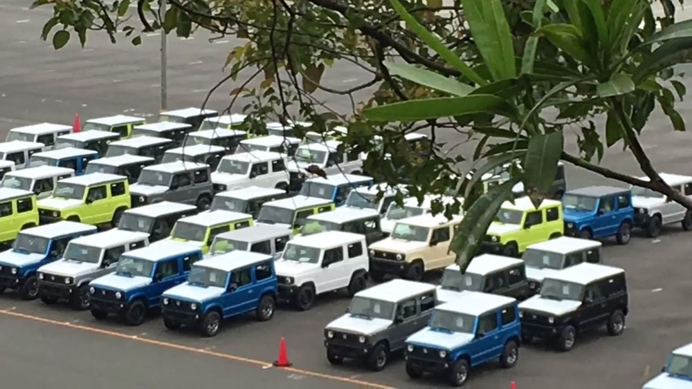 Suzuki Jimny paparazzi