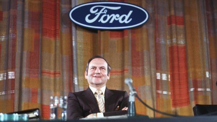 Ли Якокка - президент компании Ford